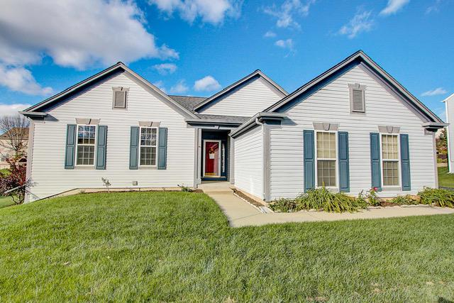4814 W Sharon Ln, Franklin, WI 53132 (#1610447) :: Vesta Real Estate Advisors LLC