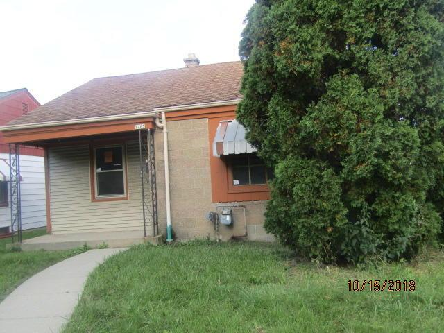3203 S 6TH ST, Milwaukee, WI 53215 (#1610820) :: RE/MAX Service First
