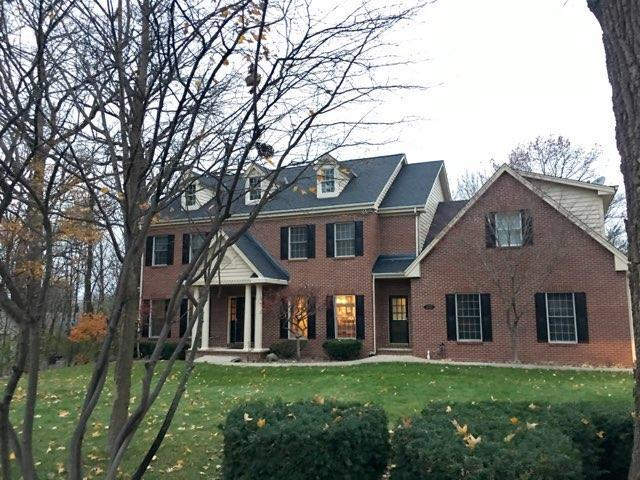 3835 N Charter Point Ct, Brookfield, WI 53045 (#1614625) :: Vesta Real Estate Advisors LLC