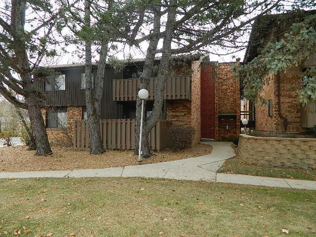 6999 Green Bay Ave C, Glendale, WI 53209 (#1614964) :: Vesta Real Estate Advisors LLC