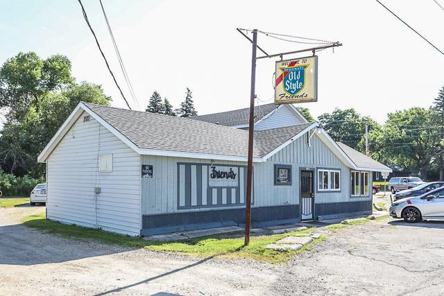 W1112 N Lake Shore Dr, Bloomfield, WI 53128 (#1615944) :: Tom Didier Real Estate Team