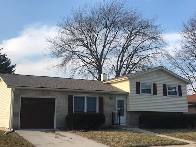 4032 Manhattan Dr, Racine, WI 53402 (#1617002) :: Vesta Real Estate Advisors LLC