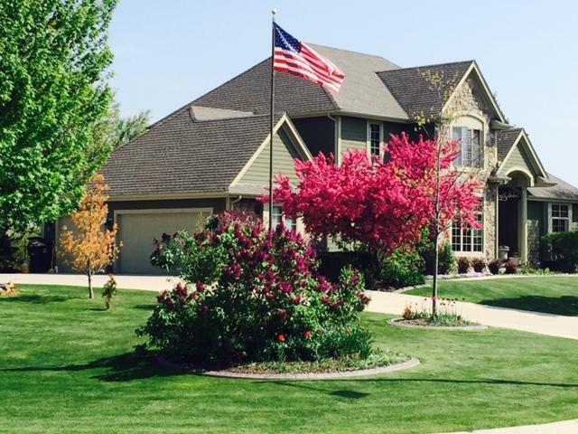 W132N6622 N West View Dr, Menomonee Falls, WI 53051 (#1622613) :: Tom Didier Real Estate Team