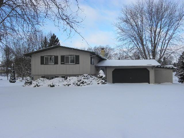 N8383 Parkview Dr, Ixonia, WI 53036 (#1622749) :: RE/MAX Service First