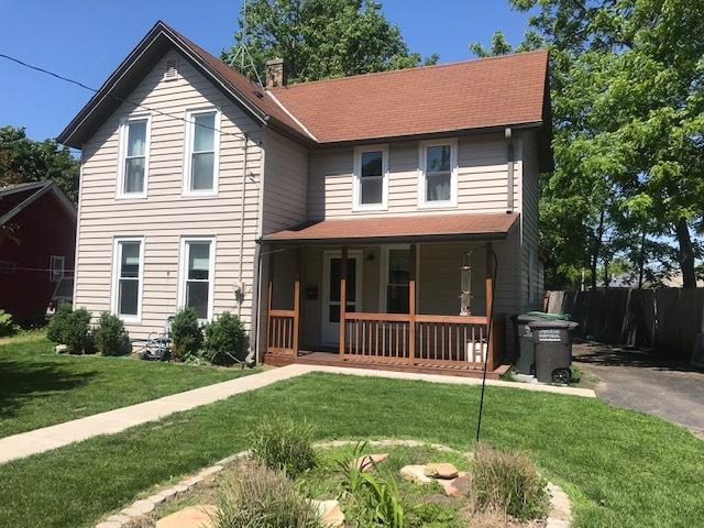 420 Wood St, Oconomowoc, WI 53066 (#1641492) :: RE/MAX Service First Service First Pros