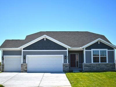 N56W24170 Peppertree Dr, Sussex, WI 53089 (#1648335) :: eXp Realty LLC