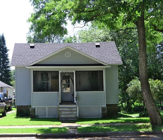 927 Parnell St, Marinette, WI 54143 (#1649778) :: RE/MAX Service First Service First Pros