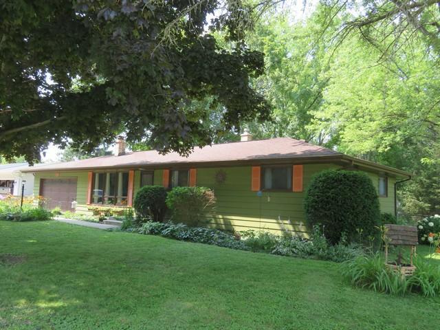 23604 81st Pl, Salem Lakes, WI 53168 (#1650685) :: Tom Didier Real Estate Team