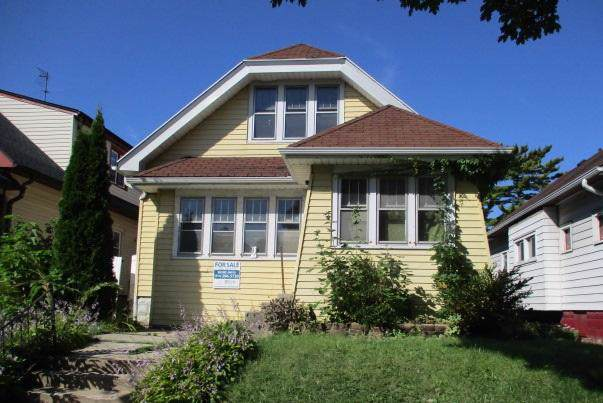 3871 N 25th St, Milwaukee, WI 53206 (#1659187) :: RE/MAX Service First