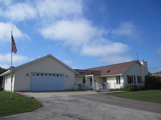 N2585 Timberland Way, Grover, WI 54157 (#1659563) :: eXp Realty LLC