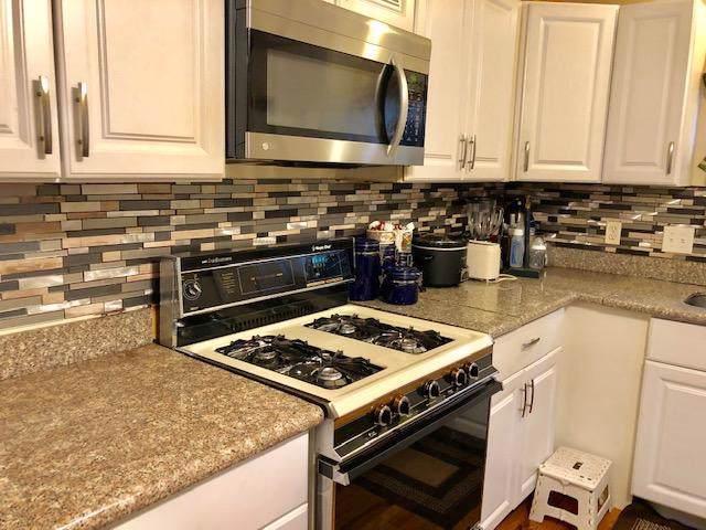 2454 W Vine Street, Milwaukee, WI 53205 (#1659633) :: RE/MAX Service First Service First Pros