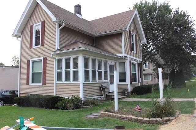301 W State St, Burlington, WI 53105 (#1659907) :: Tom Didier Real Estate Team