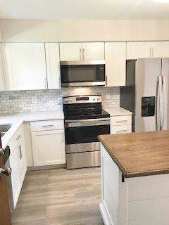 1516 Camden Ct D, Waukesha, WI 53186 (#1660967) :: RE/MAX Service First Service First Pros