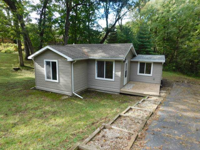 242 Marion Ave., Twin Lakes, WI 53181 (#1662569) :: RE/MAX Service First Service First Pros
