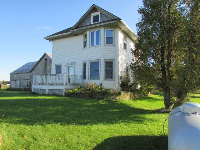 6225 E Hillcrest Rd, Two Rivers, WI 54241 (#1663276) :: eXp Realty LLC