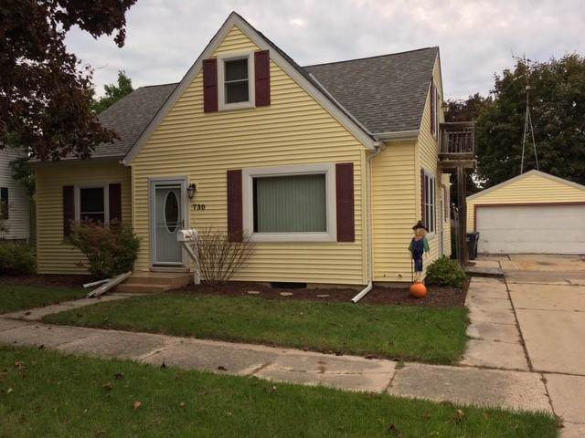 730 Chicago St, Sheboygan Falls, WI 53085 (#1663699) :: RE/MAX Service First Service First Pros