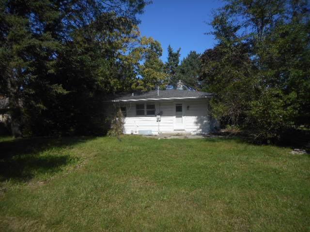 N79W16079 Community Dr, Menomonee Falls, WI 53051 (#1663993) :: eXp Realty LLC