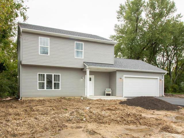W879 Florence Rd, Bloomfield, WI 53128 (#1664046) :: Keller Williams Momentum
