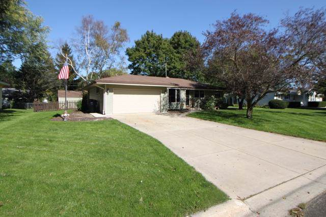 1214 W Laurel St, Whitewater, WI 53190 (#1664803) :: RE/MAX Service First Service First Pros