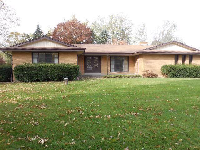 6477 S 121st St, Franklin, WI 53132 (#1665613) :: Tom Didier Real Estate Team