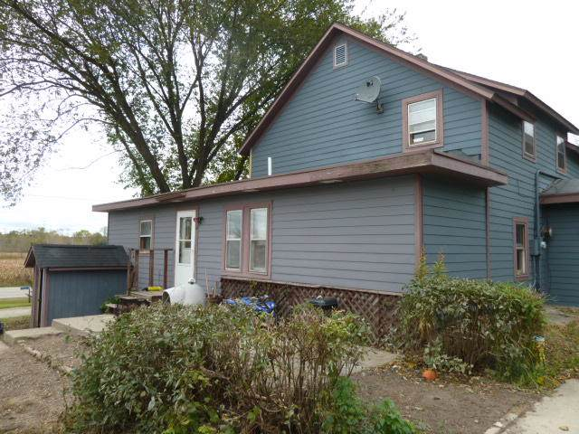 N1462 Us Highway 12, Koshkonong, WI 53538 (#1667015) :: RE/MAX Service First Service First Pros