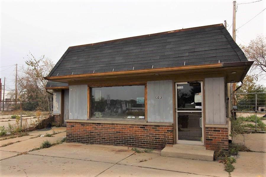 1323 Washington Ave - Photo 1
