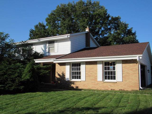 1943 Surrey Ln, Grafton, WI 53024 (#1668308) :: RE/MAX Service First Service First Pros