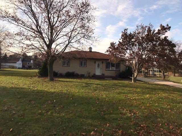 9721 S Burrell St, Oak Creek, WI 53154 (#1669133) :: Keller Williams Realty - Milwaukee Southwest
