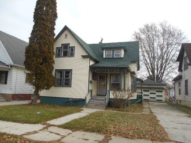 1735 N 12th St, Sheboygan, WI 53081 (#1669657) :: RE/MAX Service First Service First Pros