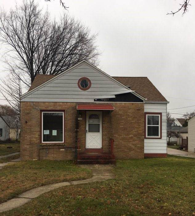 1315 E Crawford Ave, Milwaukee, WI 53207 (#1670122) :: Keller Williams Realty - Milwaukee Southwest