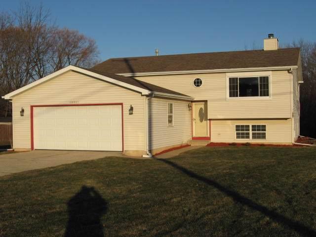 10011 Sheridan Rd, Pleasant Prairie, WI 53158 (#1670348) :: Tom Didier Real Estate Team