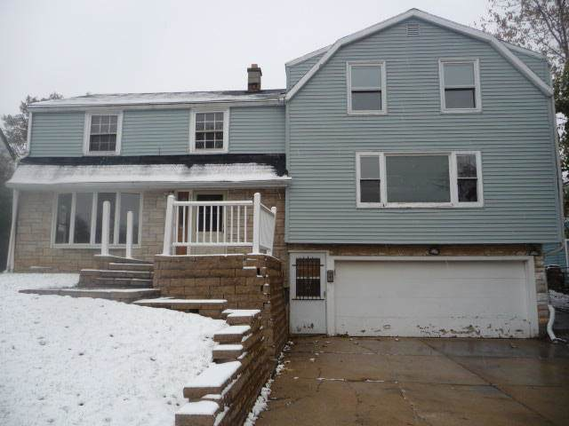 4616 W Wilbur Ave, Greenfield, WI 53220 (#1670453) :: Keller Williams Realty - Milwaukee Southwest
