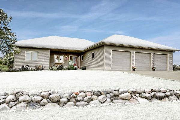 7468 Indian Lore Rd, Farmington, WI 53090 (#1670635) :: Tom Didier Real Estate Team