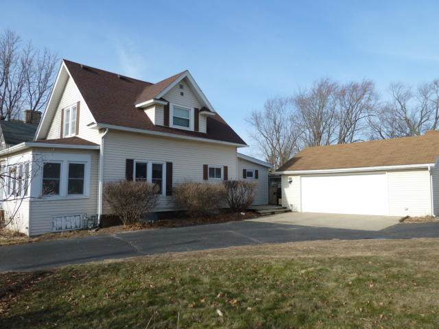 321 N 3rd St, Fort Atkinson, WI 53538 (#1671178) :: RE/MAX Service First Service First Pros