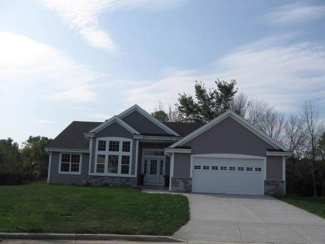 3037 W Forest Hill Ave, Franklin, WI 53132 (#1672530) :: RE/MAX Service First Service First Pros