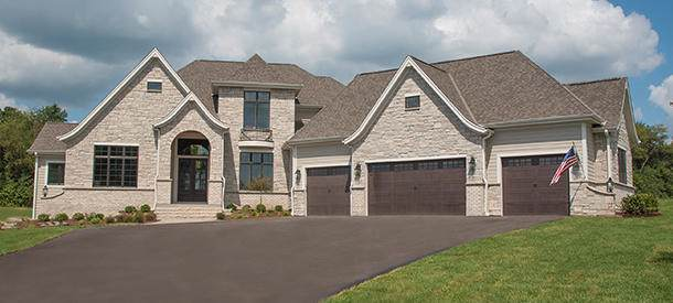 W336S981 Riemer Ct, Delafield, WI 53018 (#1673964) :: RE/MAX Service First Service First Pros