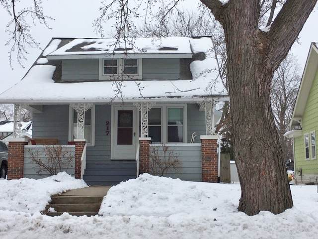 217 Wilson Ave, Waukesha, WI 53186 (#1676691) :: RE/MAX Service First Service First Pros
