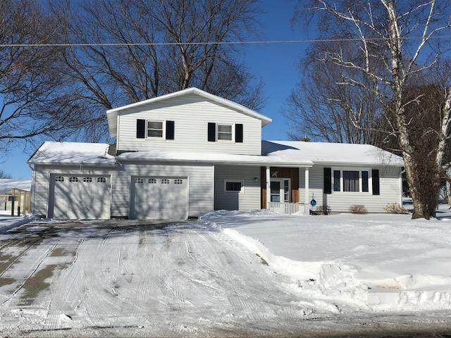 910 Chicago Ave, Viroqua, WI 54665 (#1676988) :: RE/MAX Service First Service First Pros