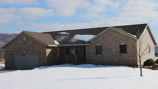N8326 Ducke Dr, Holland, WI 54636 (#1678520) :: Tom Didier Real Estate Team