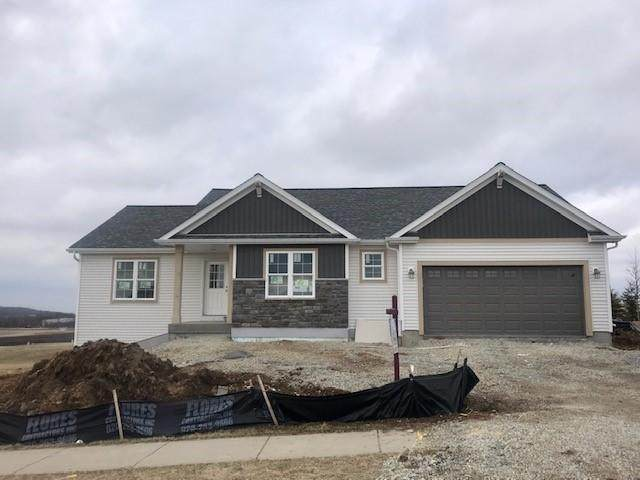 420 Saratoga Dr, Johnson Creek, WI 53038 (#1682725) :: RE/MAX Service First Service First Pros