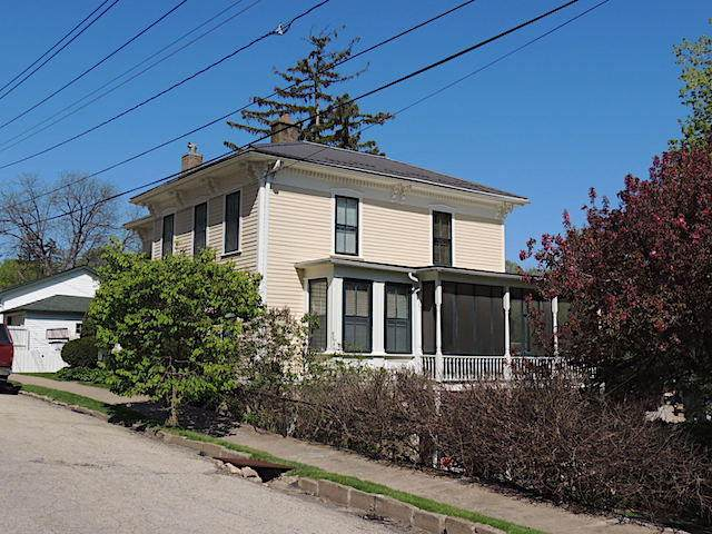 371 Diagonal St, Lansing, IA 52151 (#1688933) :: RE/MAX Service First Service First Pros