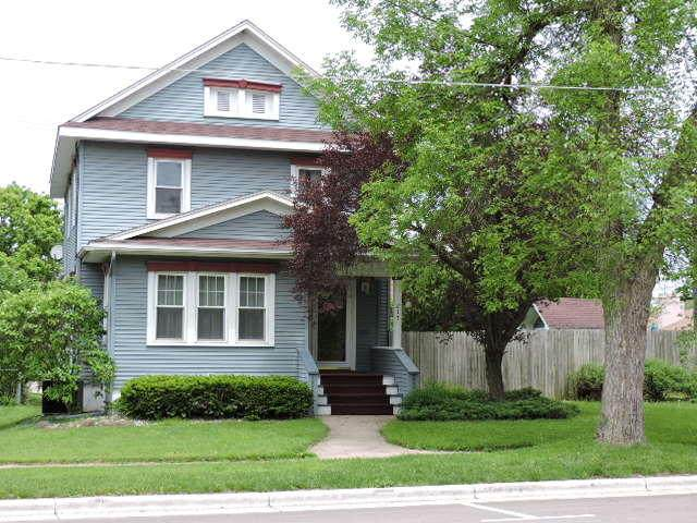 217 E Milwaukee Ave, Fort Atkinson, WI 53538 (#1690680) :: RE/MAX Service First Service First Pros