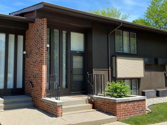 30 Lausanne Ct 30-04, Geneva, WI 53147 (#1690833) :: RE/MAX Service First Service First Pros