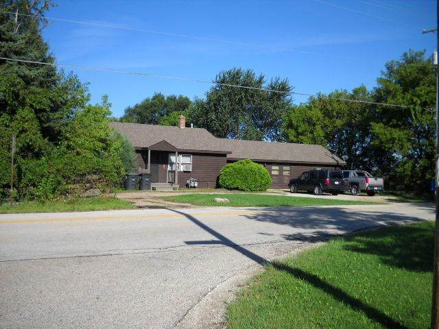 10710-12 256th Ave, Salem Lakes, WI 53179 (#1691854) :: RE/MAX Service First Service First Pros