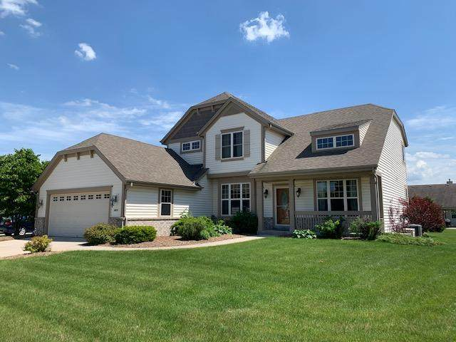 3851 Valley Creek Dr, Waukesha, WI 53189 (#1692058) :: RE/MAX Service First Service First Pros
