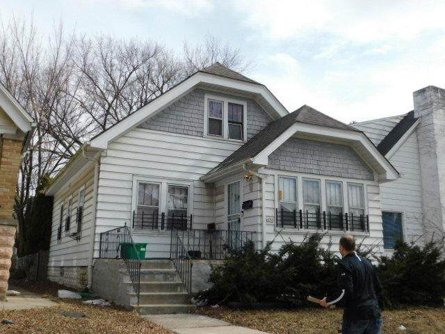 4650 N 38th, Milwaukee, WI 53209 (#1692227) :: Tom Didier Real Estate Team