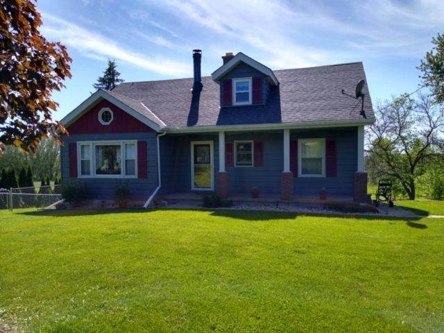 N1463 Second Street Rd, Emmet, WI 53098 (#1692394) :: RE/MAX Service First Service First Pros