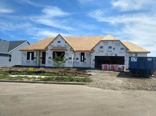 1368 Bluestem Trl, Oconomowoc, WI 53066 (#1695022) :: NextHome Prime Real Estate
