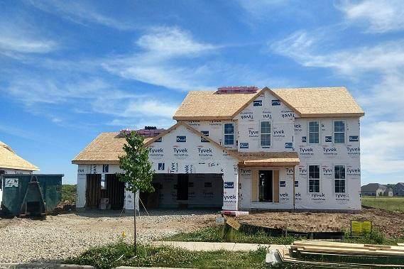 1360 Bluestem Trl, Oconomowoc, WI 53066 (#1695024) :: NextHome Prime Real Estate
