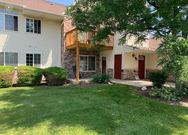 4784 W Maple Leaf Cir, Greenfield, WI 53220 (#1697208) :: OneTrust Real Estate